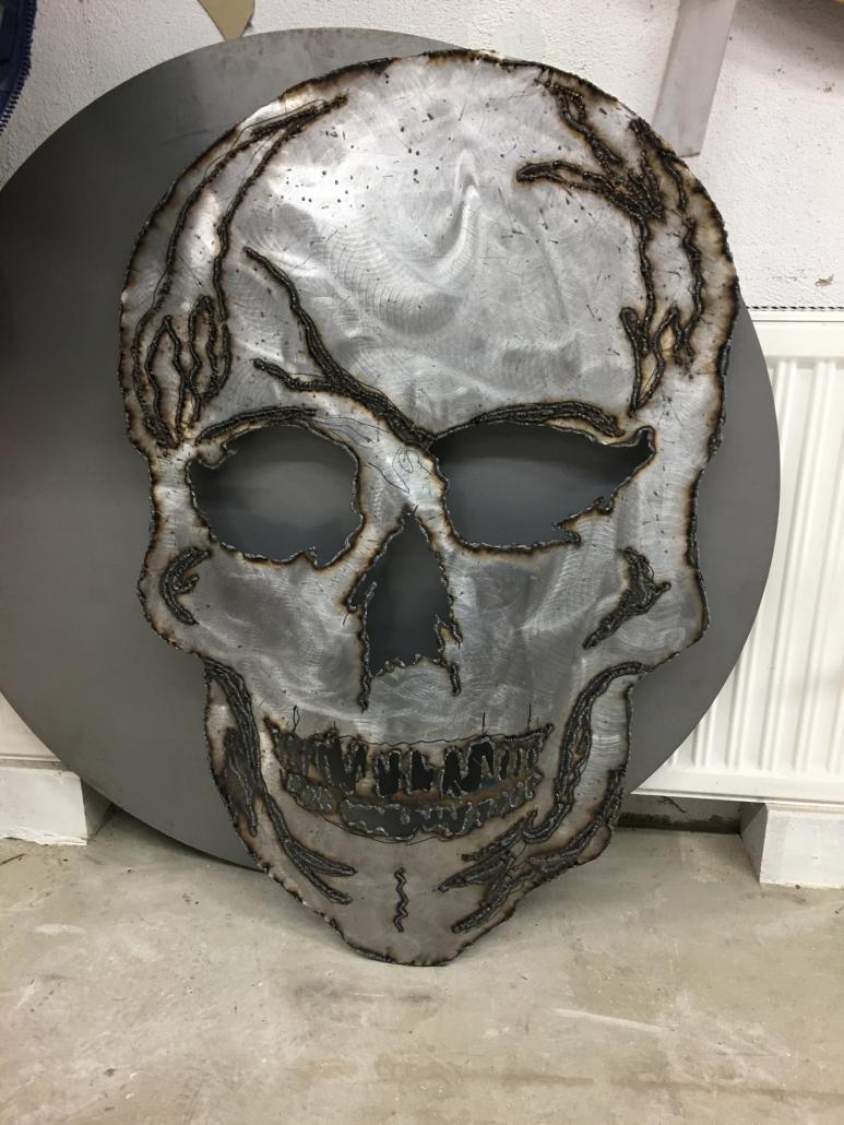 Olbrich Objekte Totenkopf